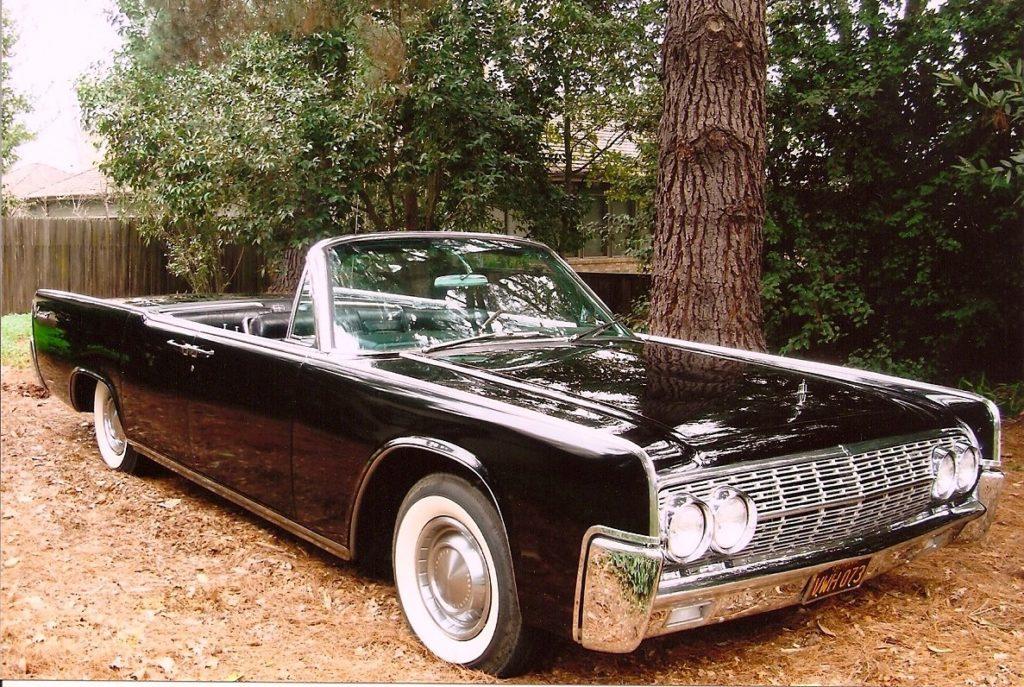 Bob & Carol Coates '62 Lincoln Continental
